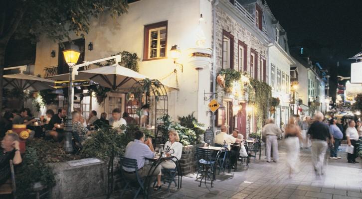 Café Terrasse Petit Champlain ©YvesTessier-Tessima